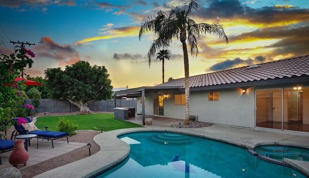 5 (Shocking) Reasons to Buy a House in Palm Springs area